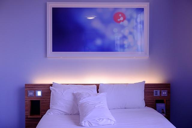 寝室のおしゃれな間接照明
