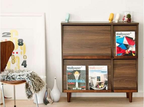 リビングの漫画や雑誌の収納棚