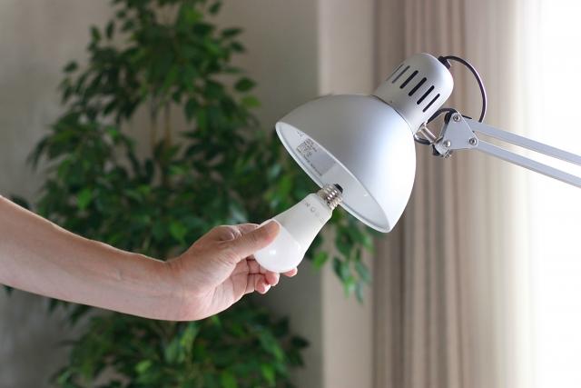 吹き抜けの照明のメンテナンス性