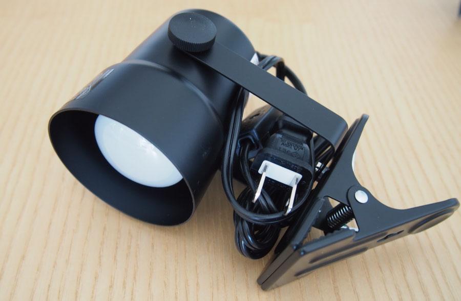 テレビ台の裏に使う照明器具