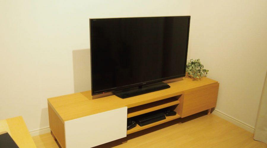 間接照明を使用していないテレビ台