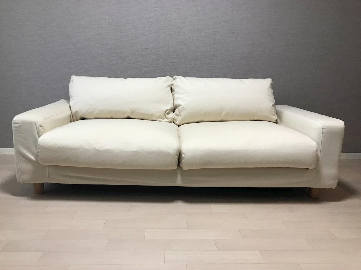 座面や背もたれがふっくらしているソファ
