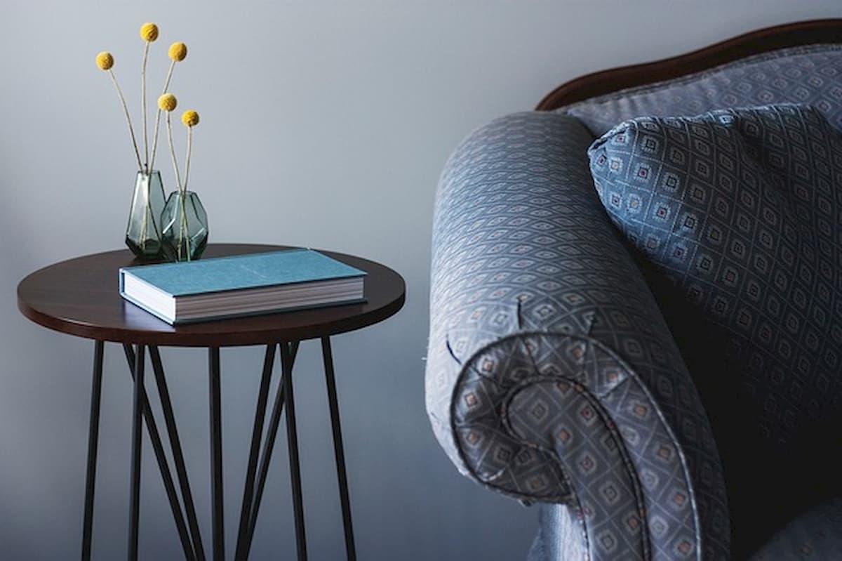 ソファアームの高さに合ったサイドテーブル