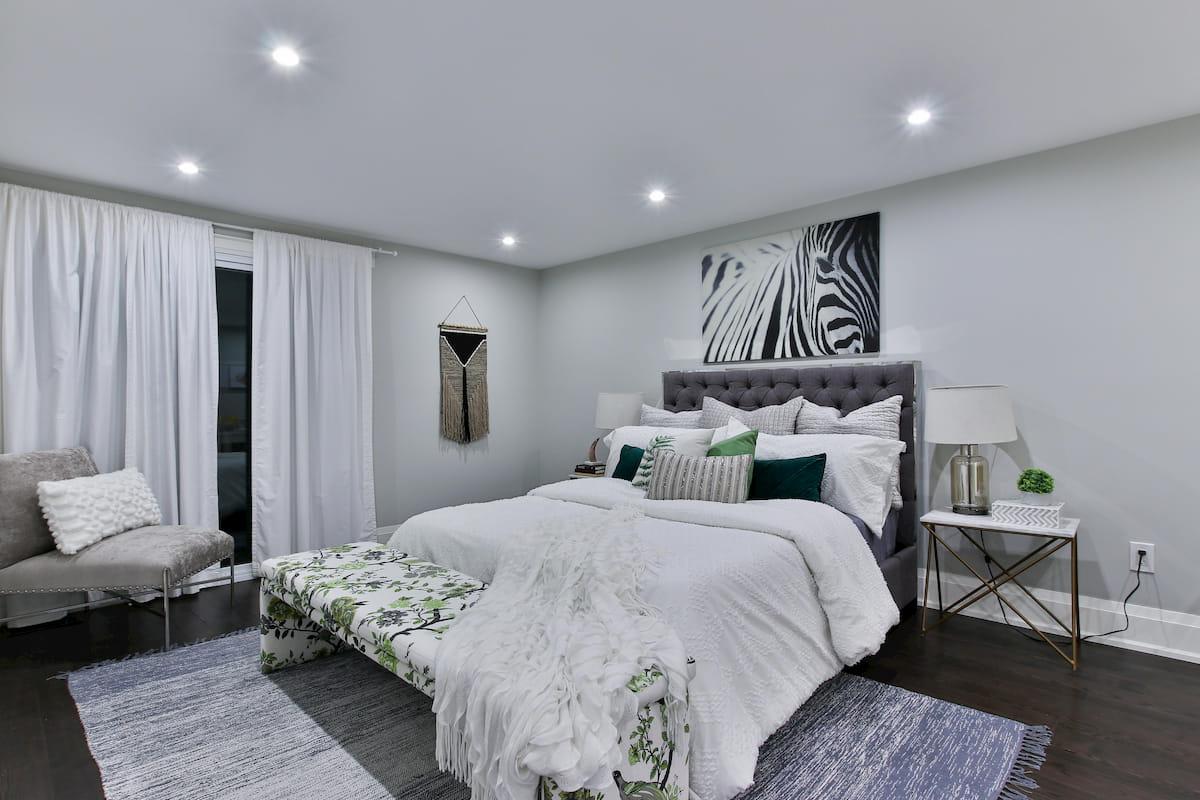 寝室の天井にダウンライトを設置するときの注意点 ...