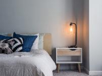 寝室に適した照明の光色はオレンジか?それとも白か?