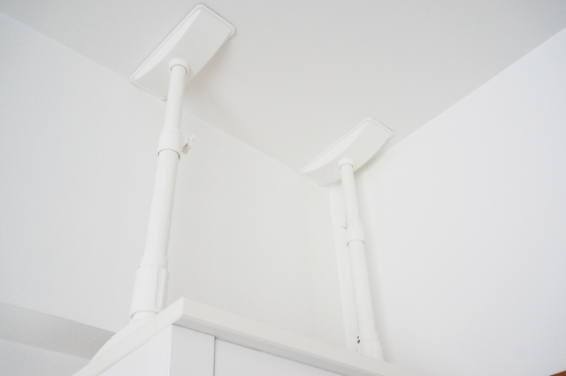 地震対策をしているリビングの家具